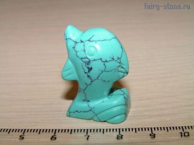Фигурка дельфина из бирюзы (имитация)